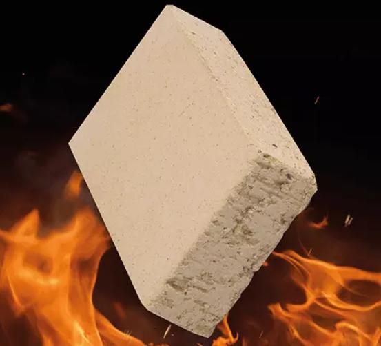 Die Häussler Holzbacköfen werden mit feuerfester Tonerde hergestellt.