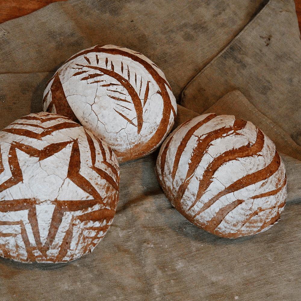 Mit Tollen Mustern Das Brot Einschneiden Holzbackofenrezepte 9